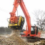 21040_en_f32a6_7527_mb-crusher-bf-1204-crusher-bucket-in-action