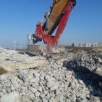 betonolom_krasher_betona_dlya_ekskavatora_foto_largest